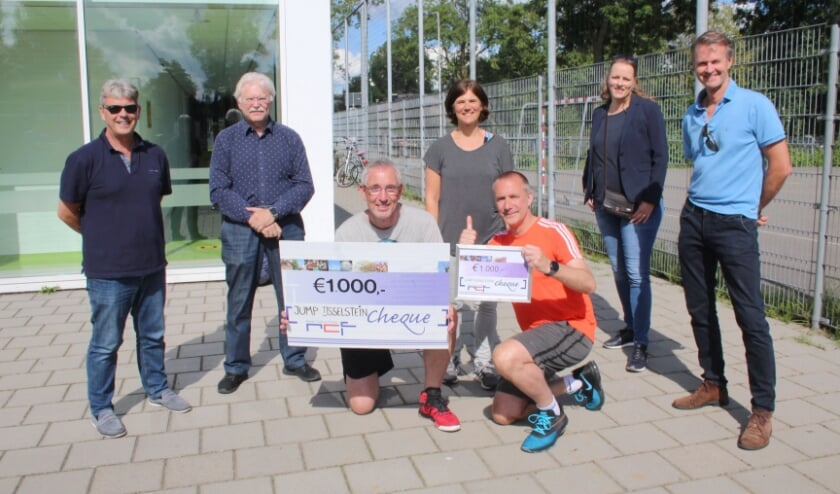 Jump krijgt gift van € 1000
